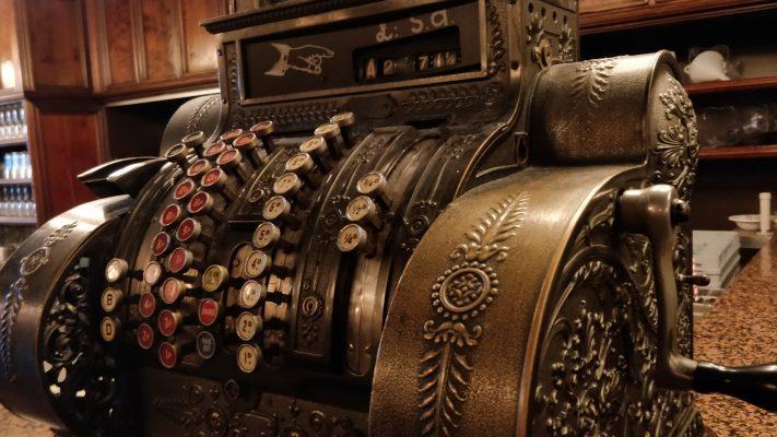 Vintage kassesystem, gammel knappekasse, pos system, kassesystem, illustrasjonsbilde